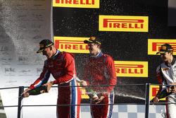 Race 1 Podium: 3de Kevin Ceccon, winnaar Emil Bernstorff en 2de Esteban Ocon, ART Grand Prix