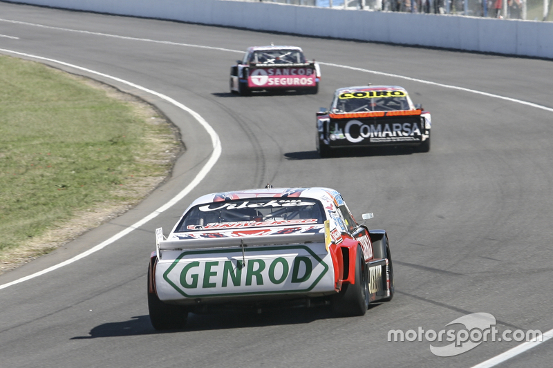 Педро Джентіле, JP Racing Chevrolet та Каміло Ечеваррія, Coiro Dole Racing Torino та Жозе Мануель Ур