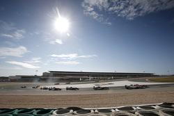 Matt Solomon, Double R Racing Dallara Mercedes-Benz and Callum Ilott, Carlin Dallara Volkswagen and