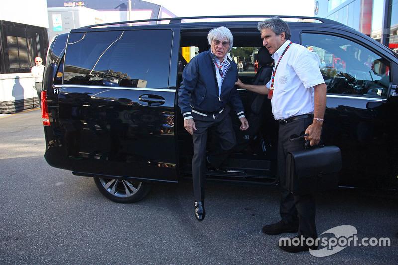 Bernie Ecclestone avec Pasquale Lattuneddu de la FOM