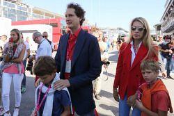 John Elkann, Chairman of Fiat Chrysler con su esposa Lavinia Borromeo