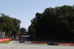 Стоффель Вандорн, ART Grand Prix едет впереди Серхио Канамасаса, Team Lazarus