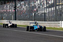 Pal Varhaug, Jenzer Motorsport leads Zaid Ashkanani, Campos Racing