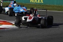 Marvin Kirchhofer, ART Grand Prix lidera a Matheo Tuscher, Jenzer Motorsport