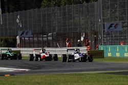 Jimmy Eriksson, Koiranen GP lidera a Marvin Kirchhofer, ART Grand Prix y Alex Fontana, Status Grand