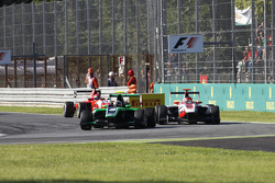 Alex Fontana, Status Grand Prix leads Esteban Ocon, ART Grand Prix and Kevin Ceccon, Arden International