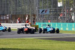 Luca Ghiotto, Trident leads Matheo Tuscher, Jenzer Motorsport and Alex Palou, Campos Racing