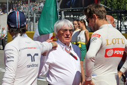 Felipe Massa, Williams with Bernie Ecclestone and Romain Grosjean, Lotus F1 Team on the grid