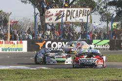 Jose Manuel Urcera, JP Racing Torino and Gaston Mazzacane, Coiro Dole Racing Chevrolet and Facundo Ardusso, Trotta Competicion Dodge