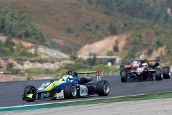 Alessio Lorandi, Van Amersfoort Racing Dallara Volkswagen and Alexander Sims, HitechGP Dallara Mercedes-Benz