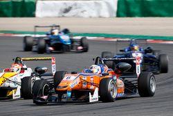 Michele Beretta, Mücke Motorsport Dallara Mercedes-Benz; Arjun Maini, Van Amersfoort Racing Dallara