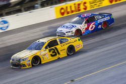 Ryan Newman, Richard Childress Racing Chevrolet and Trevor Bayne, Roush Fenway Racing Ford