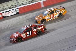 Джастин Алгайер, HScott Motorsports Chevrolet и Карл Эдвардс, Joe Gibbs Racing Toyota