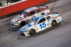 Austin Dillon, Richard Childress Racing Chevrolet et Clint Bowyer, Michael Waltrip Racing Toyota
