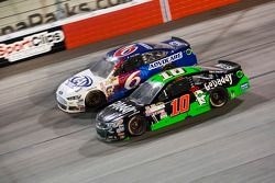Trevor Bayne, Roush Fenway Racing Ford and Danica Patrick, Stewart-Haas Racing Chevrolet