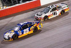 Chase Elliott, Hendrick Motorsports Chevrolet et Paul Menard, Richard Childress Racing Chevrolet