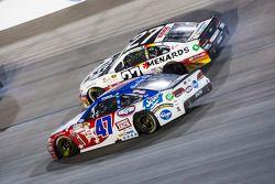 A.J. Allmendinger, JTG Daugherty Racing Chevrolet y Paul Menard, Richard Childress Racing Chevrolet