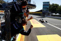 Lewis Hamilton, Mercedes AMG F1 W06 takes the win