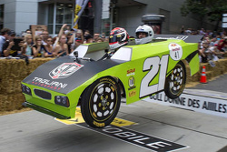 Alex Tagliani en el Red Bull soap box race en Montréal