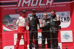 Podio Gara 2 seconda divisione: Filippo Maria Zanin, Promotor Sport, Andrea Bertolini, Abarth Squadra Corse, Riccardo Fumagalli e Alberto Fumagalli su BMW 320i B 24h 2.0 #203, Zerocinque Motorsport