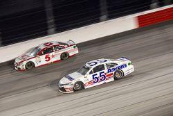 Kasey Kahne, Hendrick Motorsports Chevrolet ve David Ragan, Michael Waltrip Racing Toyota