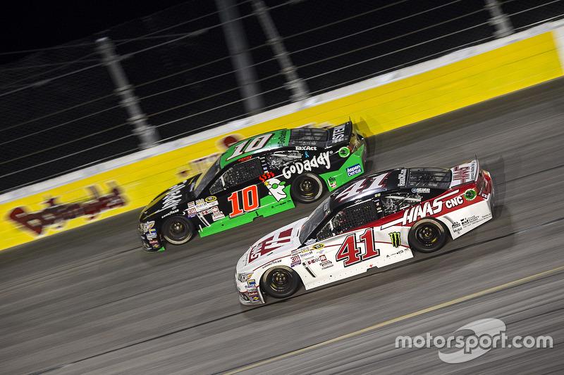 Danica Patrick, Stewart-Haas Racing Chevrolet y Kurt Busch, Stewart-Haas Racing Chevrolet