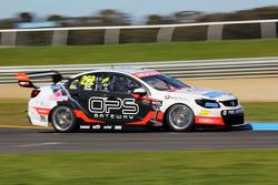 Nick Percat y Oliver Gavin, Lucas Dumbrell Motorsport Holden