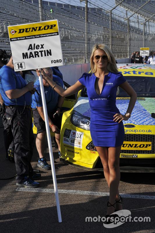 btcc-rockingham-2015-dextra-racing-grid-