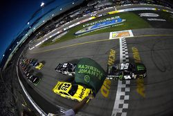 Start: Kyle Busch, Joe Gibbs Racing Toyota leads