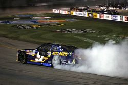 Winner Chase Elliott, JR Motorsports Chevrolet