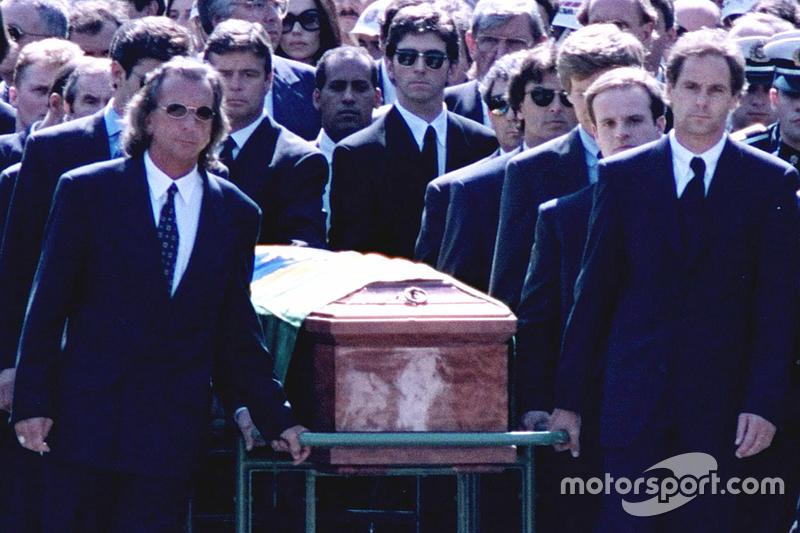 Para ir ao funeral de Ayrton Senna, Emerson precisou se ausentar dos primeiros treinos livres para a 500 Milhas de Indianápolis de 1994.