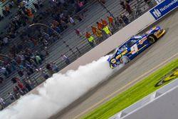 Ganador de la carrera Chase Elliott, JR Motorsports Chevrolet