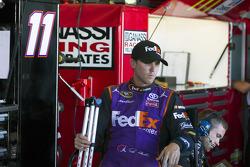 Denny Hamlin, Joe Gibbs Racing avec des béquilles