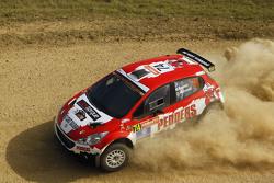 Mark Pedder y Glenn Macneall, Peugeot 208 Maxi