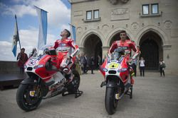 Andrea Dovizioso, Ducati y Andrea Iannone, Ducati Team, en las calles de San Marino