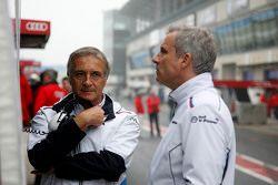 Charly Lamm, team manager de BMW Team Schnitzer et Jens Marquardt, directeur du sport automobile pour BMW