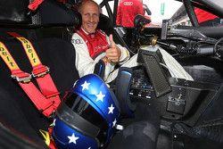Hans-Joachim Stuck dans l'Audi RS 5 DTM race taxi
