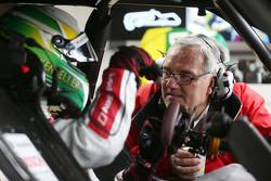 Mike Rockenfeller, Audi Sport Team Phoenix Audi RS 5 DTM con el ingeniero vehículo Jürgen Jungklaus