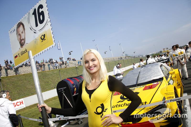 Gridgirl von Timo Glock, BMW Team MTEK, BMW M4 DTM