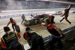 Клинт Боуйер, Michael Waltrip Racing Toyota