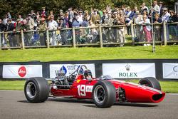 Sir Jackie Stewart que participan en el homenaje a Bruce McLaren