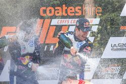 Ganadores y campeones 2015 de WRC, Sébastien Ogier y Julien Ingrassia, Volkswagen Polo WRC, Volkswag