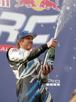 Podium: winner Scott Speed, Andretti Autosport Volkswagen