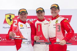 Podio Trofeo Pirelli: vincitore Emmanuel Anassis, secondo John Farano, terzo Ryan Ockey