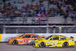 Carl Edwards, Joe Gibbs Racing Toyota and Matt Kenseth, Joe Gibbs Racing Toyota