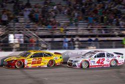 Joey Logano, Team Penske Ford and Kyle Larson, Chip Ganassi Racing Chevrolet