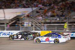 Alex Bowman, Tommy Baldwin Racing Chevrolet and Trevor Bayne, Roush Fenway Racing Ford