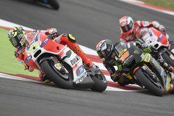 Andrea Iannone, Ducati Team, Bradley Smith, Tech 3 Yamaha, et Andrea Dovizioso, Ducati Team