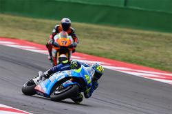 Aleix Espargaro, Team Suzuki MotoGP y Claudio Corti, Forward Racing Yamaha