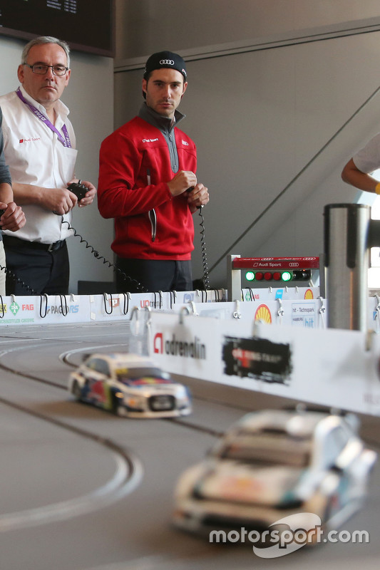 Audi DTM Slot Car Challenge